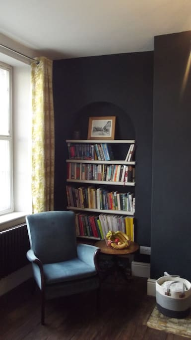 Easy chairs in the dining room and library of books - feel free to browse!