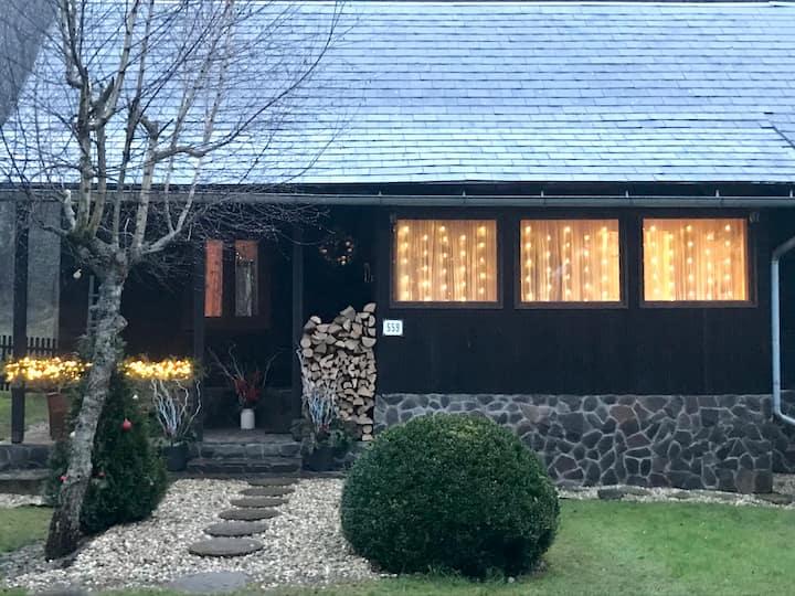 Útulná drevenica / Cozy wood cabin