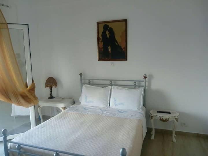 Cosy room with private bathroom near Berati