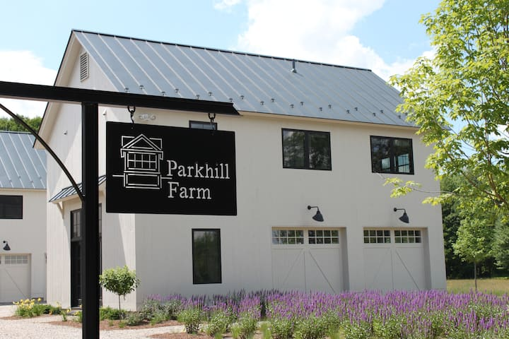 Parkhill Farm: Minutes from Middlebury College