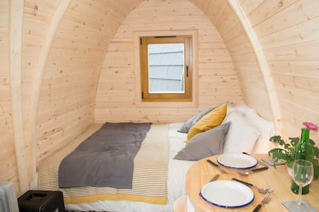 Eco pods Kilry. Isla pod. Fully equipped.