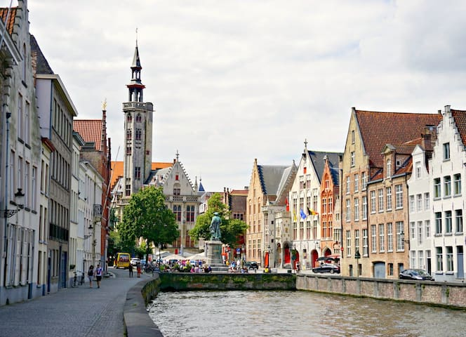 All of Bruges from here.