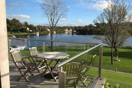 Lakeside Apartment on Shore Lough Erne in Ekn town