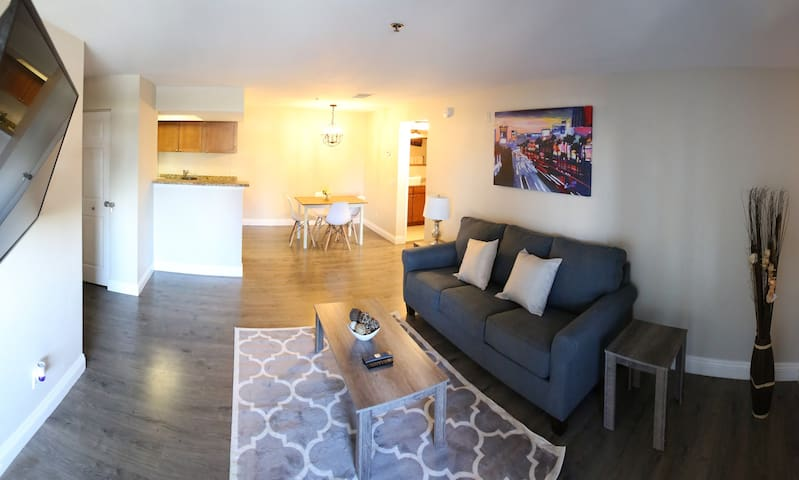 Beautiful, Fully Renovated Condo Next to Strip!