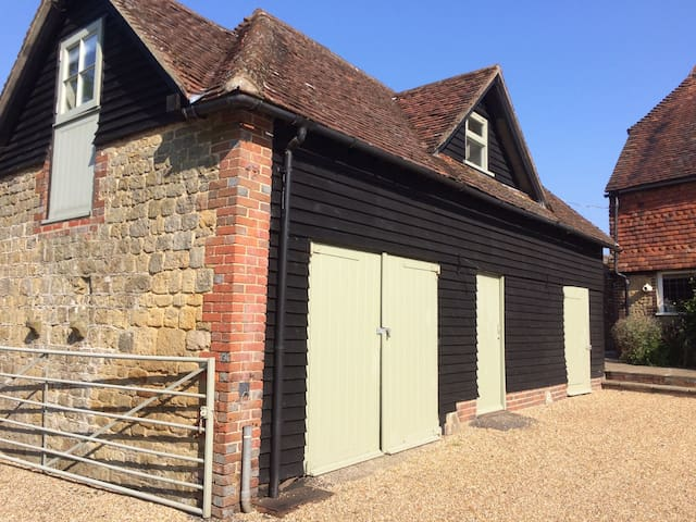 Self contained annexe in beautiful West Sussex