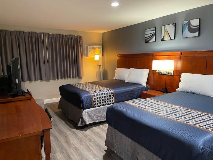Rooms With 2 beds near Disneyland & Newport Beach.