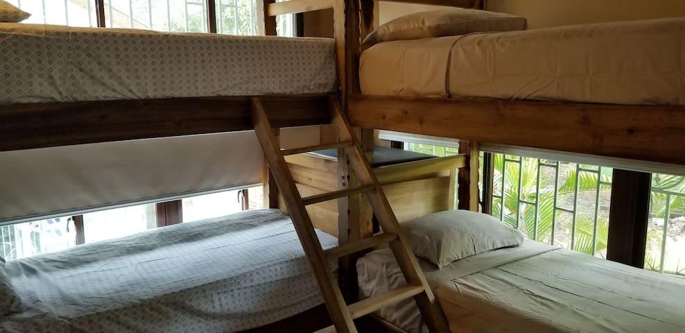 Bunk beds in bedroom 4