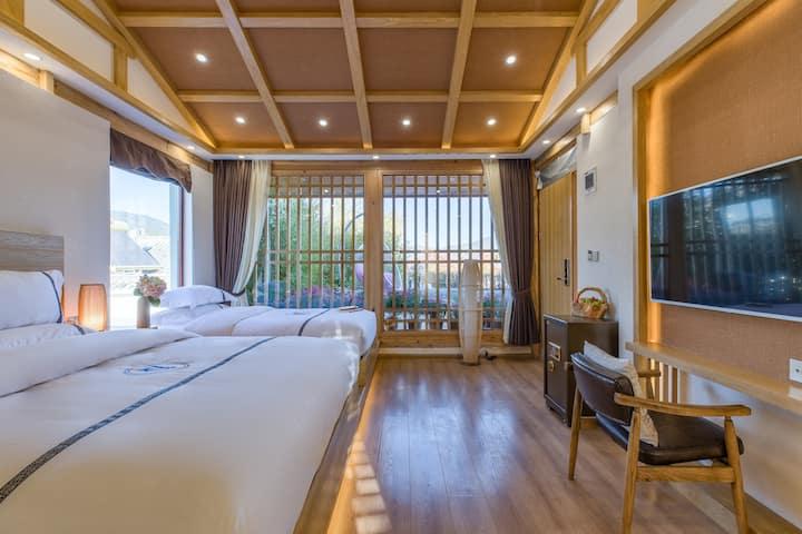 大研古城落地窗阳台浴缸精品大床+双床2套5人居