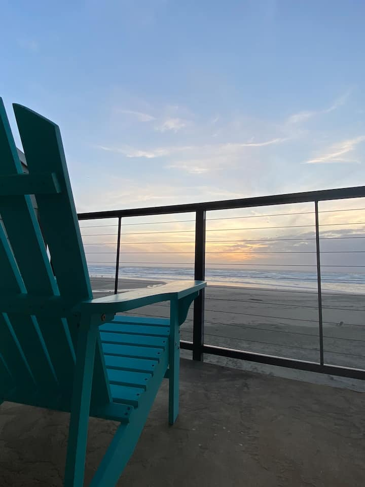 Oceanside Beach Condo.  Your Sunsets await