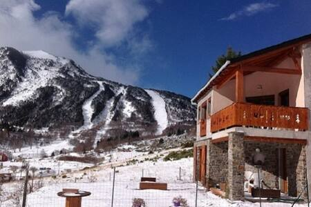 Ski, Randonnée, Shopping Andorre - porte puymorens - Huoneisto