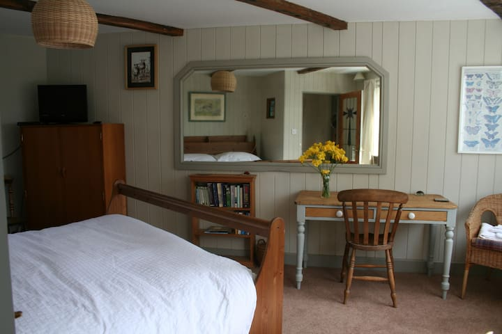 Self contained room with astonishing views. - Allendale Town - Bed & Breakfast
