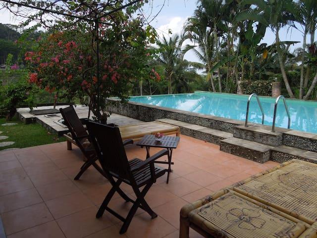 神秘の島Villa DanDan Bukit