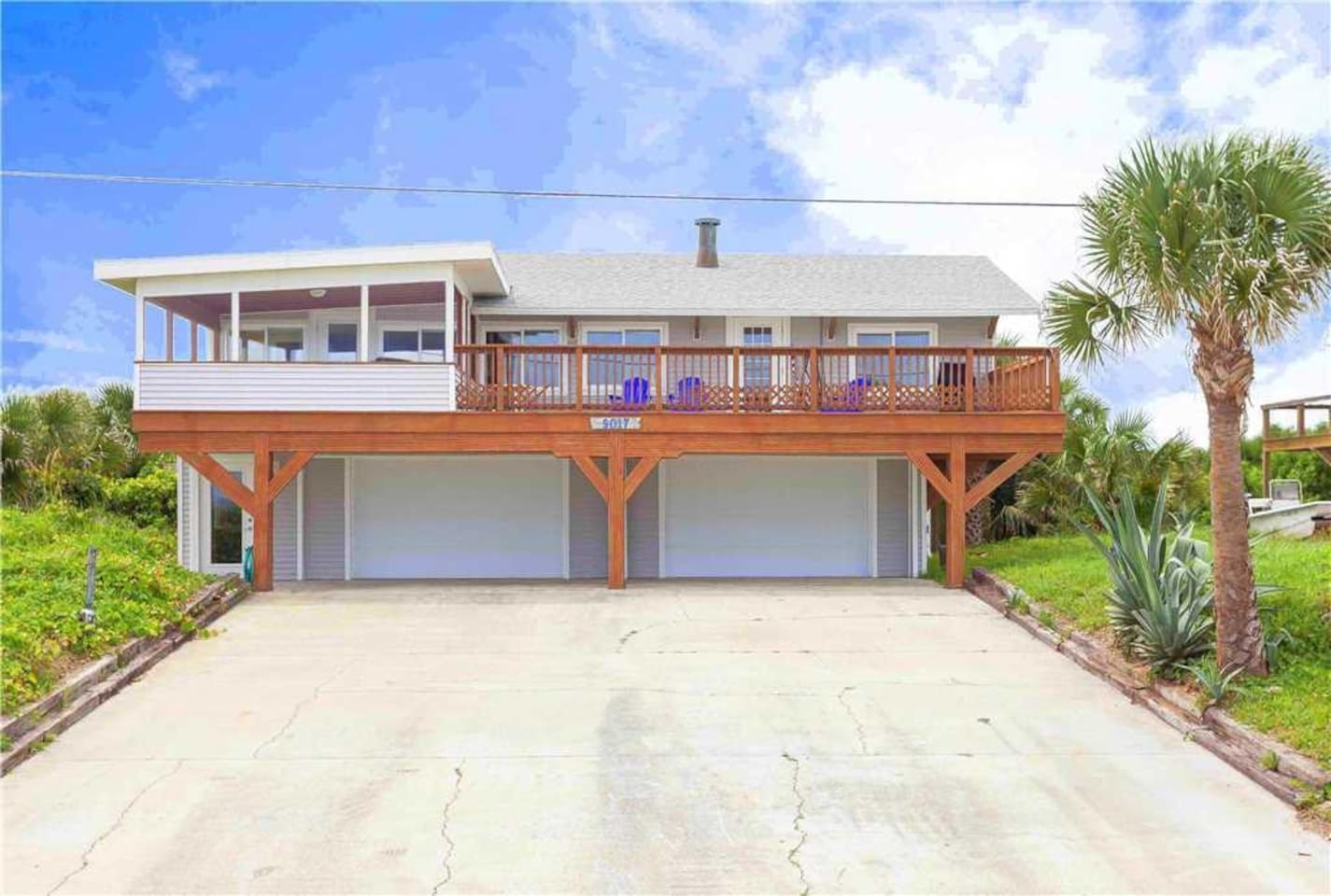 Welcome to Lenora's Pelican Beach House! - Welcome to Lenora's Pelican Beach House, a 4 bedroom and 4 bathroom house that is less