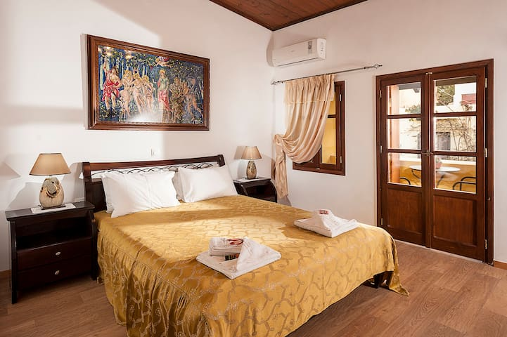Luxury Suite in the heart of old Town..!!!!!