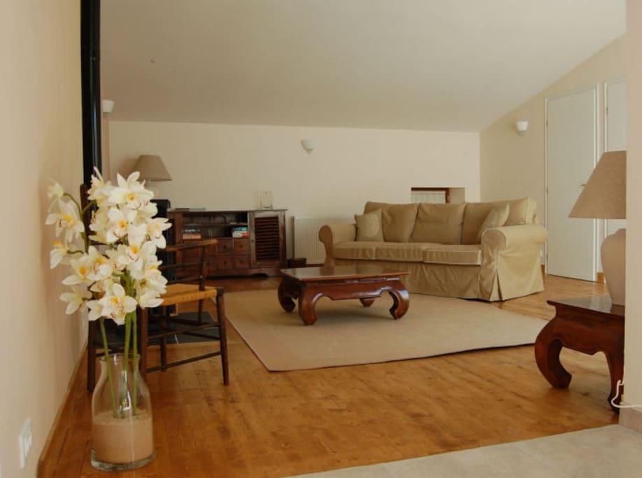 La Cachette, living room