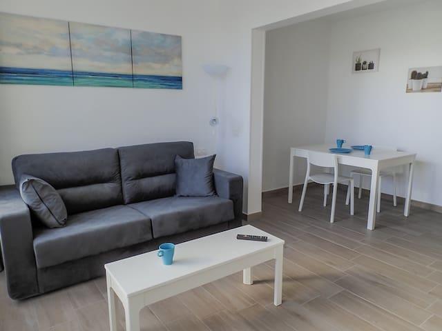 Casa Mara - Modern Studio, seafront complex w/Pool
