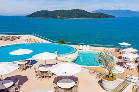 Resort Luxo a 2hs de SP! Condomínio fechado