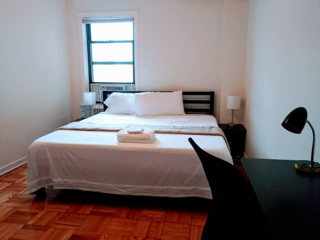 Big Private bed room-beach,downtown,airport nearby