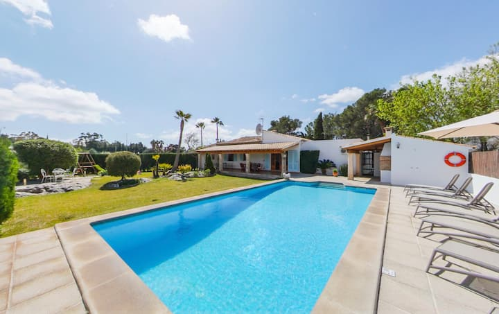 Wonderful family villa with private pool walking distance to Puerto Pollensa town and beach