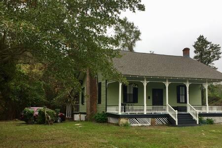 1840 Burn Cottage