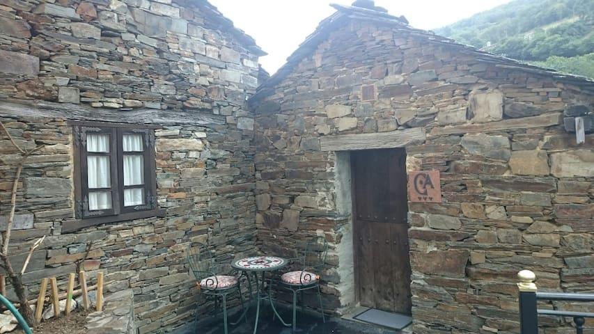 "Casa Rural Taramundi ""El Carballo"" - Vega de Llan - Haus"