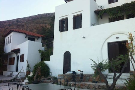 Traditional Villa panoramic view of Elafonisos - Neapoli Vion - Dom