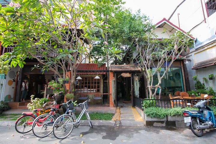 Changmoi house Boutique - Si Phum - Bed & Breakfast