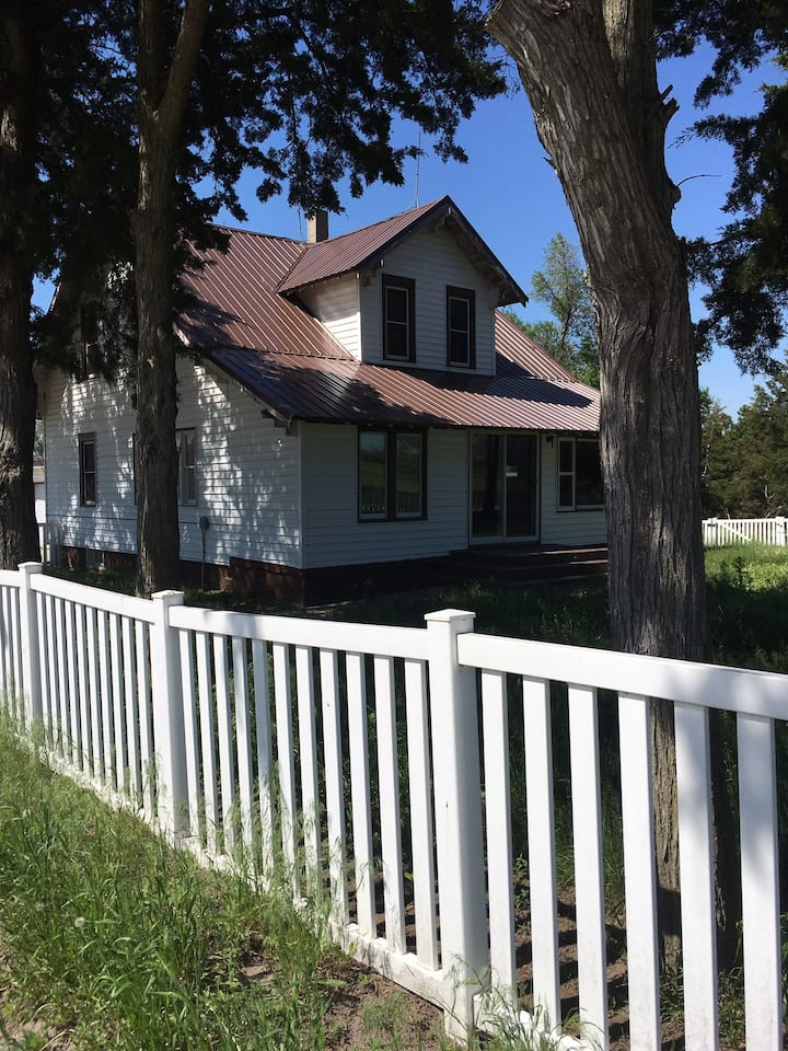 Grandma's House -  peaceful, 28 miles to Niobrara