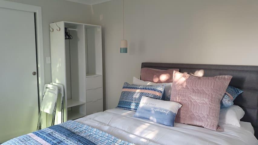 Super Comfy Luxury Queen Bed