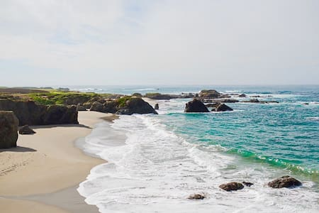 Walk to The Beach! Studio for two ❤ - Fort Bragg - Διαμέρισμα
