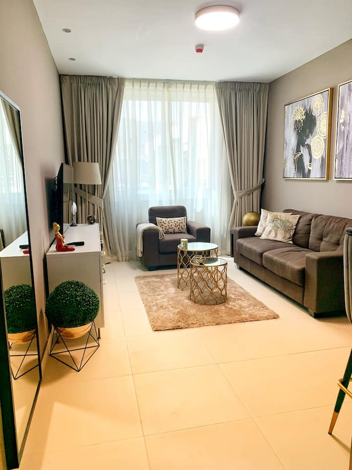 Entire one bedroom apartment