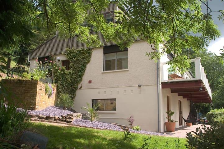 Comfortable 5 Bedroom House Melrose - Melrose - Dom