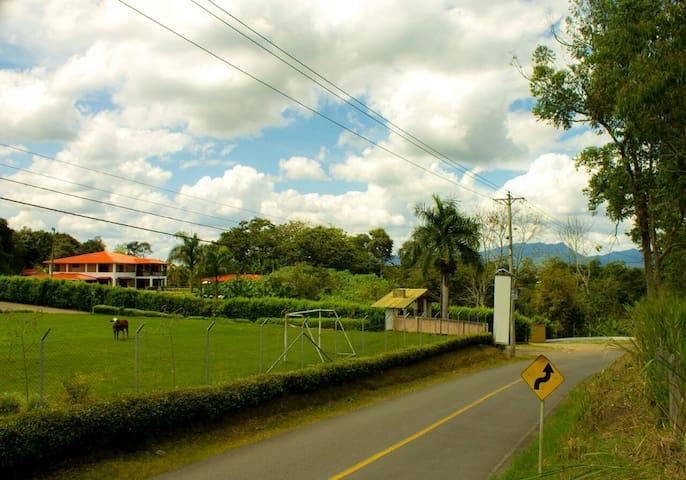 casa campestre sol y luna - Quimbaya - Chalet
