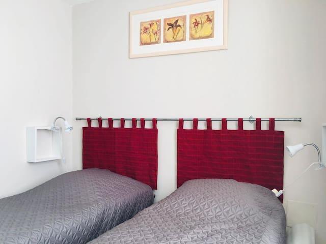 chambre 1er étage avec lits électriques