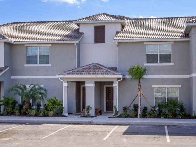 HOME IN AMAZING STOREY LAKE(4SYT48BR04) - KISSIMMEE - Haus