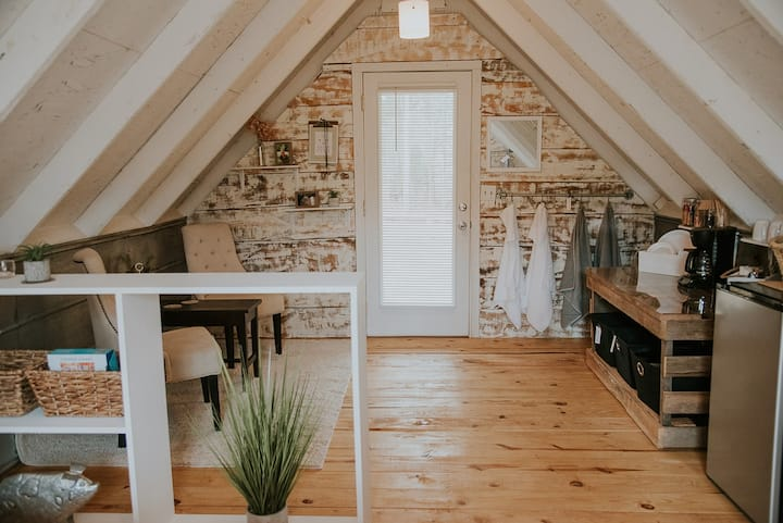 Renovated Barn Loft on 40-Acre Farm