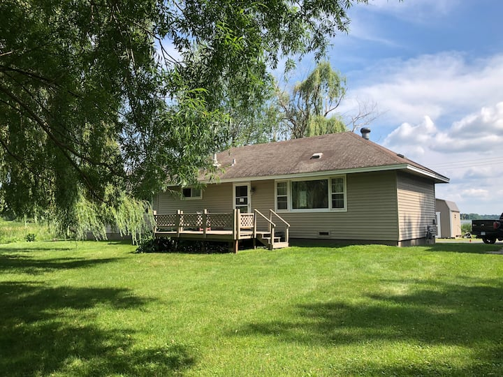 3 BR Lake Home on Snowmobile Trail