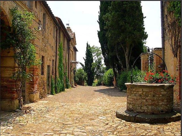 al Castellare: antico casale nel cuore del Chianti