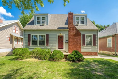 Cozy 3 Bed House Near College Hill and Hospitals!!