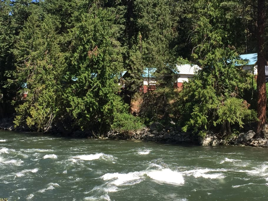 cabins perched above the Wenatchee River
