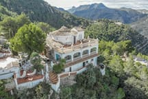 Welcome to Casa Tarsan! Our exclusive (3 suites) Eco Lodge, located in the mountains of Valencia