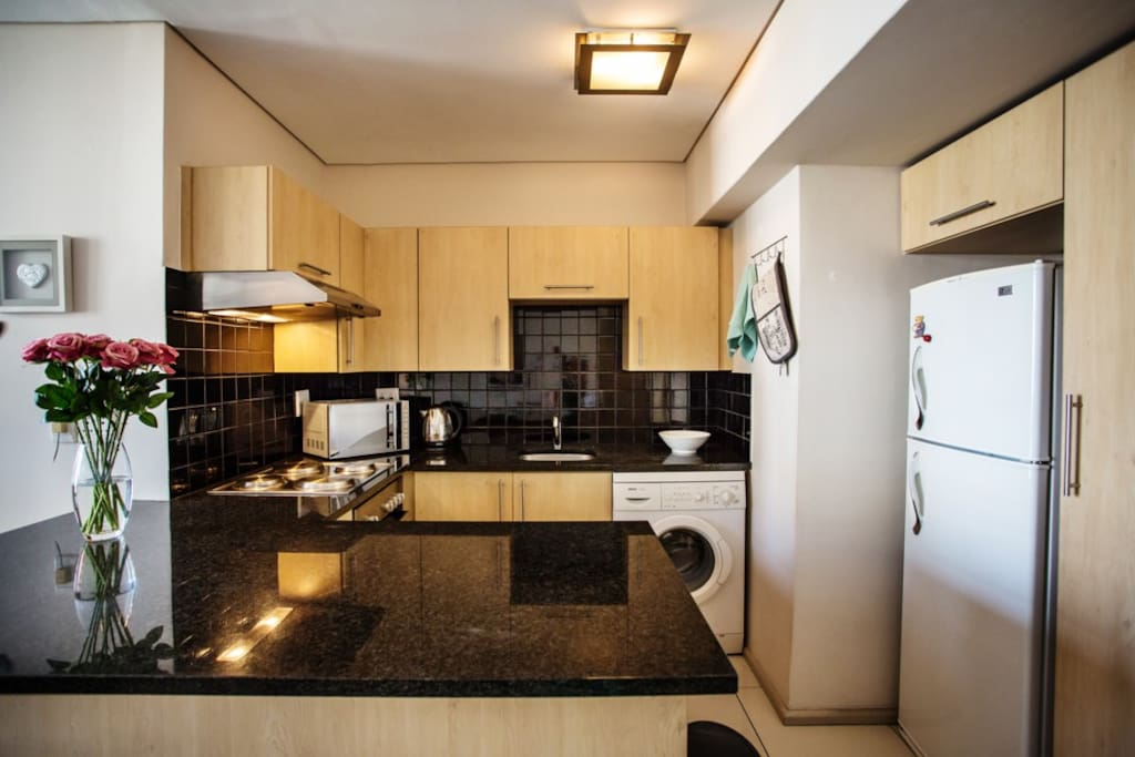 Granite - fully kitted kitchen