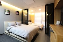 LA[DFS 100m Airport 2.4km] 2 Queen Beds Residence