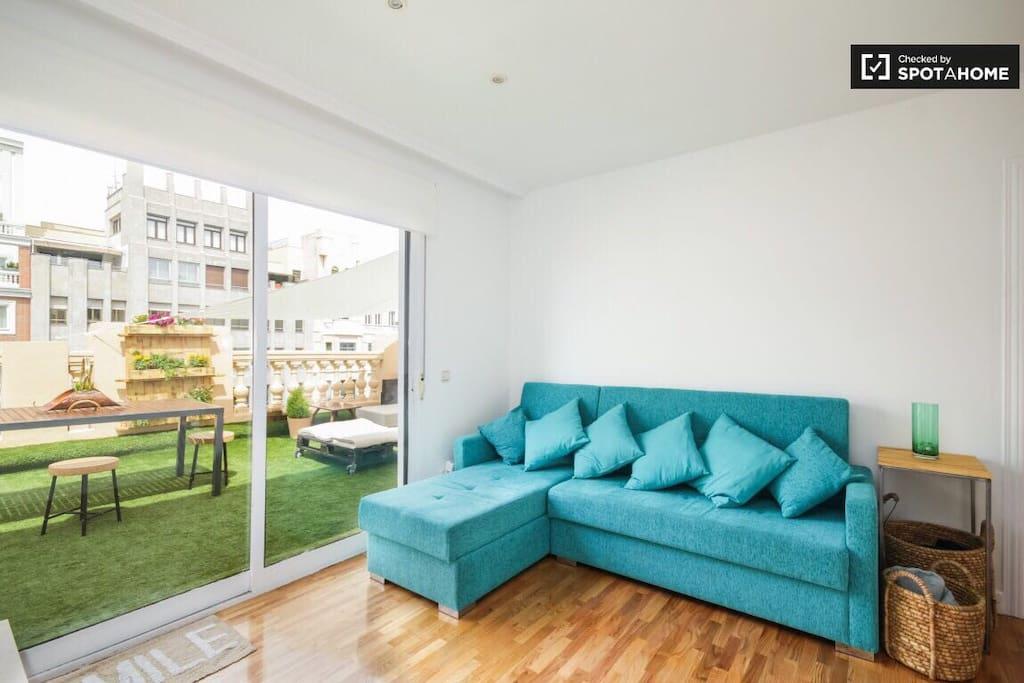 Tico centro en madrid 2 habitaciones wifi appartements for Habitaciones en madrid