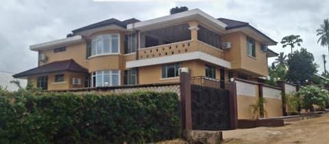 Elegant Living - Bunju Area near Bahari  Beach