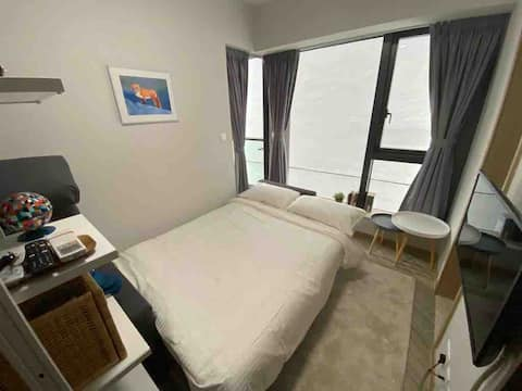 Your own peaceful place in Aberdeen (Tin Wan)