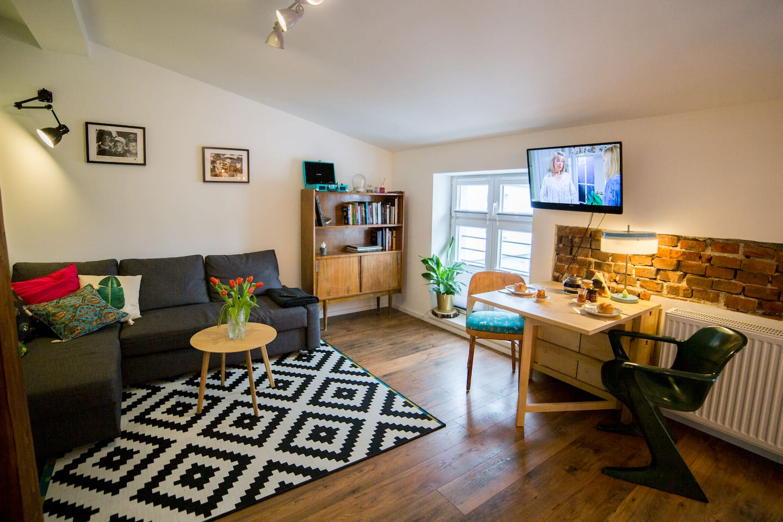 stylish vintage studio apartment for 2 people