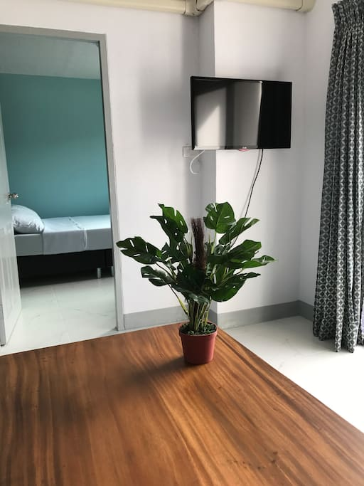 Islands Table