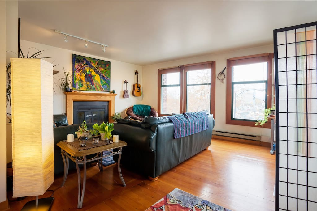 Gorgeous Apt In Heart Of Old Town Apartments For Rent In Victoria British Columbia Canada