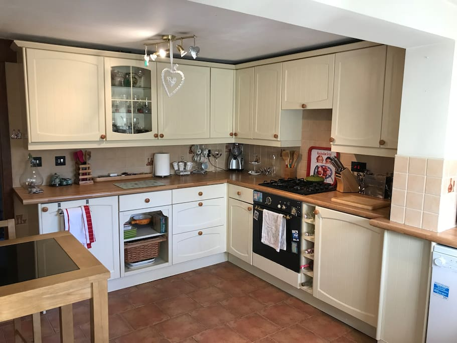 Rooms To Rent In Farncombe